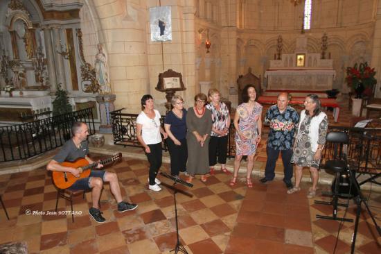 Les choristes d'Anne Fontana - Eglise d'Avensan - 02 juin 2018