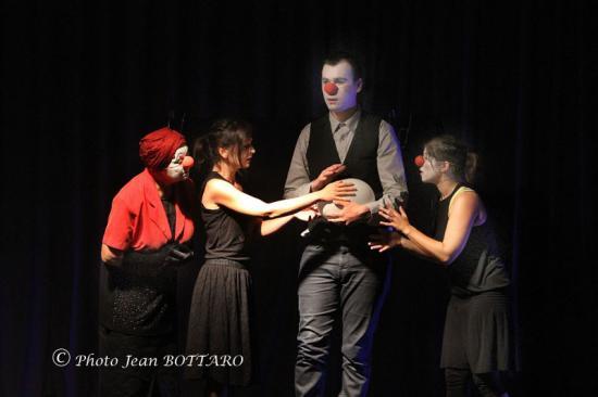 140 Théâtre 14 06 04. CD249 WS
