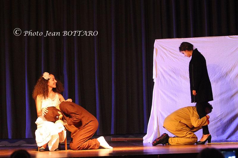 154 Théâtre 14 06 04. CD249 WS